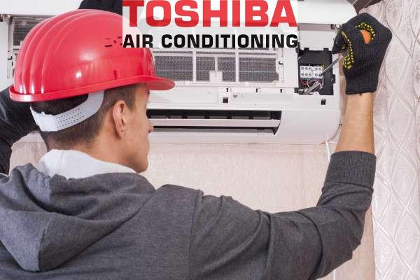 instalación split inverter aire acondicionado Toshiba en Hospitalet de Llobregat